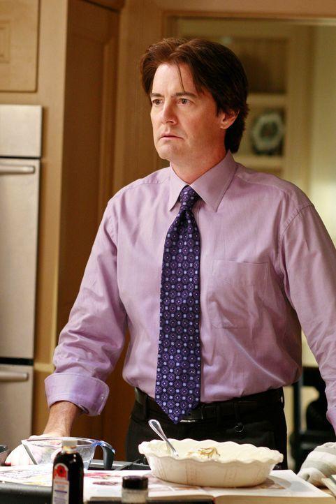 Orson (Kyle MacLachlan) versucht seine Frau zu beruhigen, die vergeblich versucht, den Kuchen von Katherine nachzubacken ... - Bildquelle: ABC Studios