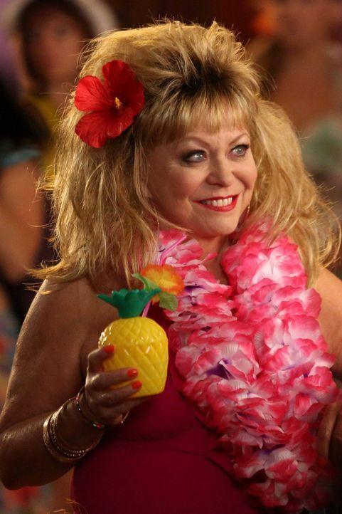 Bevormundet ihre Tochter Kimmie: Pamela (Jacki Weaver). Werden sich die  zwei auf der Aloha-Party versöhnen? - Bildquelle: Warner Brothers