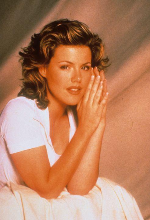 (6. Staffel) - Wird Kelly (Jennie Garth) endlich ihre große Liebe finden? - Bildquelle: Paramount Pictures