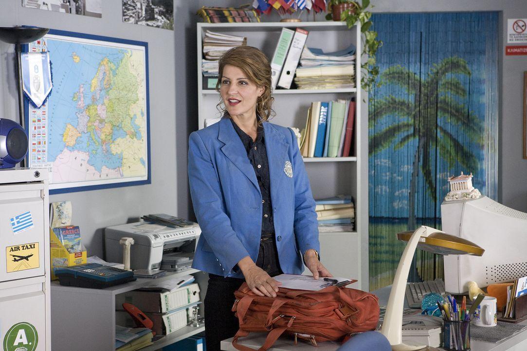 Bereit und motiviert tritt die ehemalige Professorin der griechischen Geschichte Georgia (Nia Vardalos) ihre neue Arbeit an. - Bildquelle: 2008 My Life In Ruins, LLC All Rights Reserved