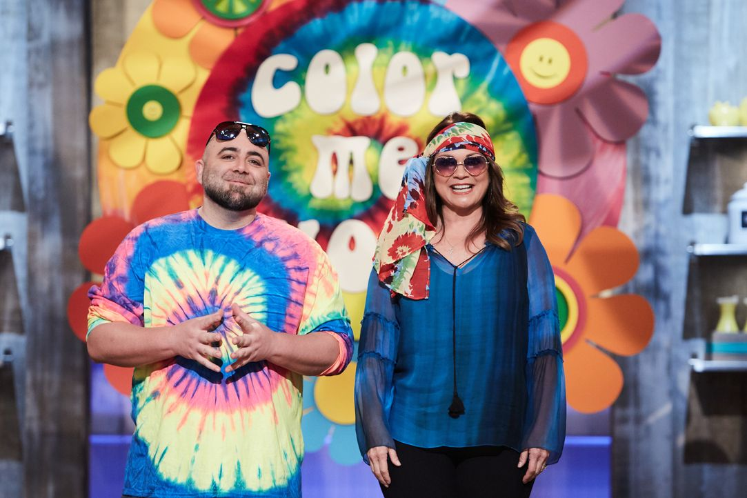 (v.l.n.r.) Duff Goldman; Valerie Bertinelli - Bildquelle: Adam Rose 2016, Television Food Network, G.P. All Rights Reserved./Adam Rose