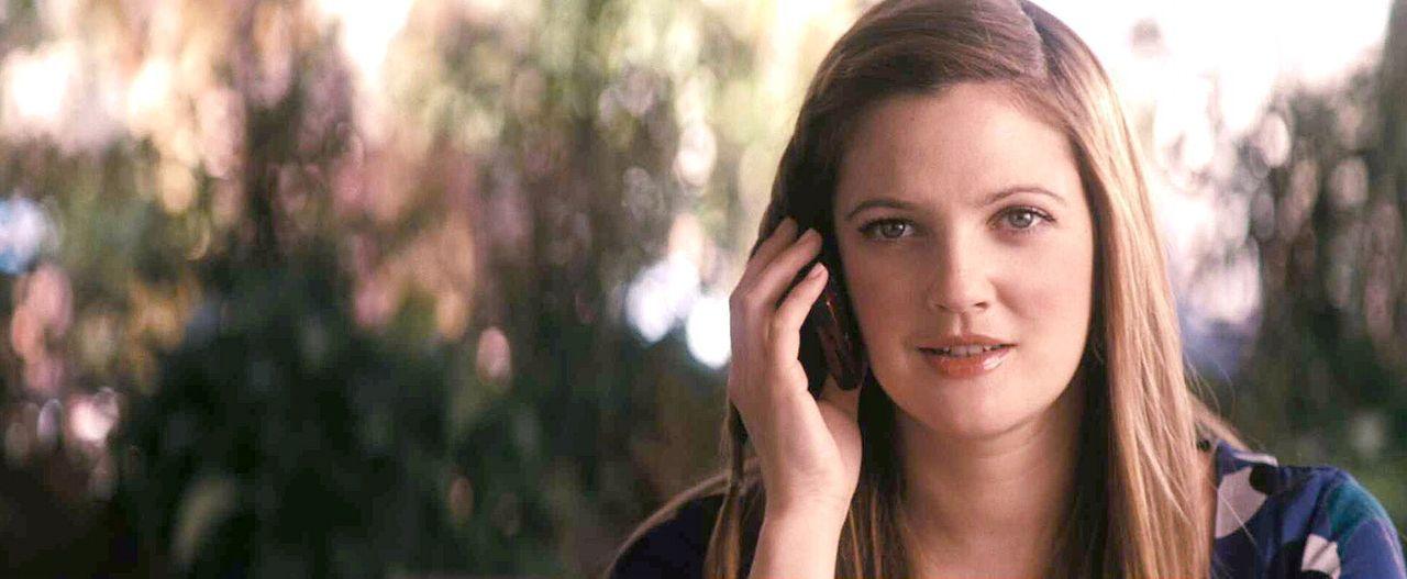 Mary (Drew Barrymore), die von einer ganzen Schar liebevoller und hilfsbereiter Männer umgeben ist, muss endlich einen kennen lernen, der nicht schw... - Bildquelle: Warner Brother