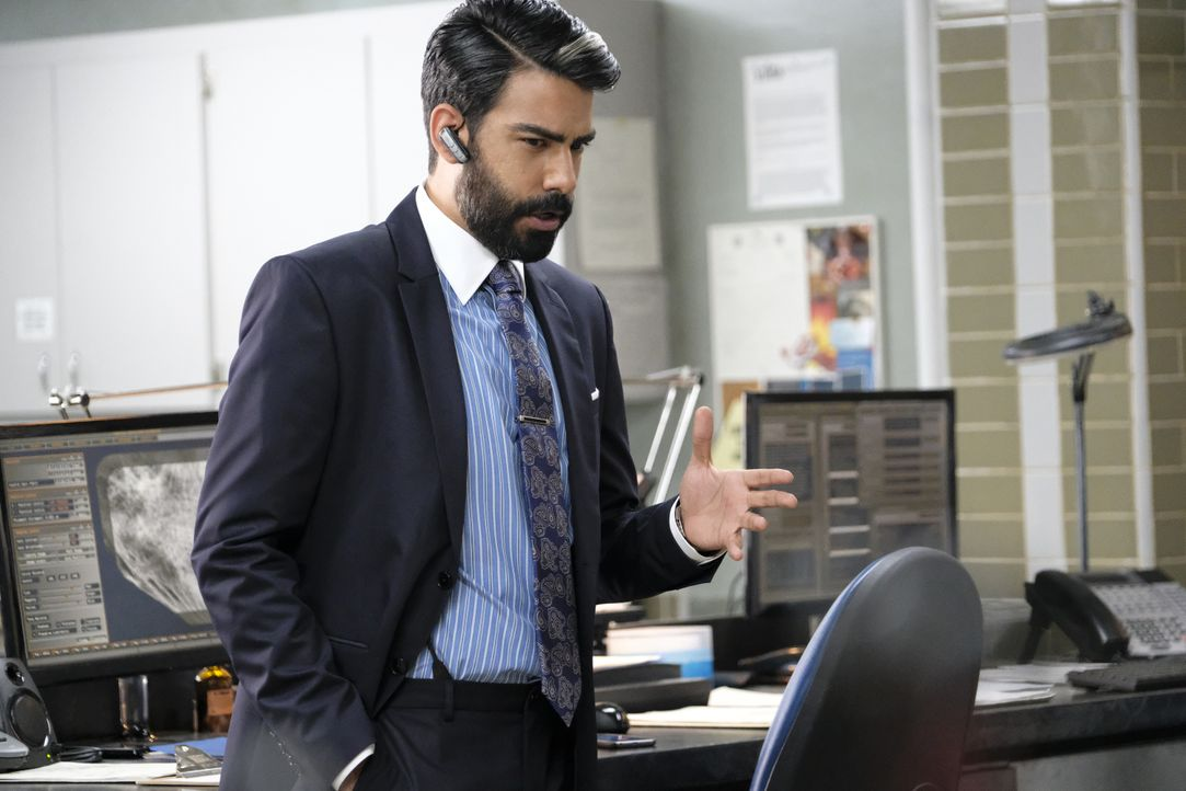 Ravi Chakrabarti (Rahul Kohli) - Bildquelle: Bettina Strauss 2019 The CW Network, LLC. All Rights Reserved. / Bettina Strauss