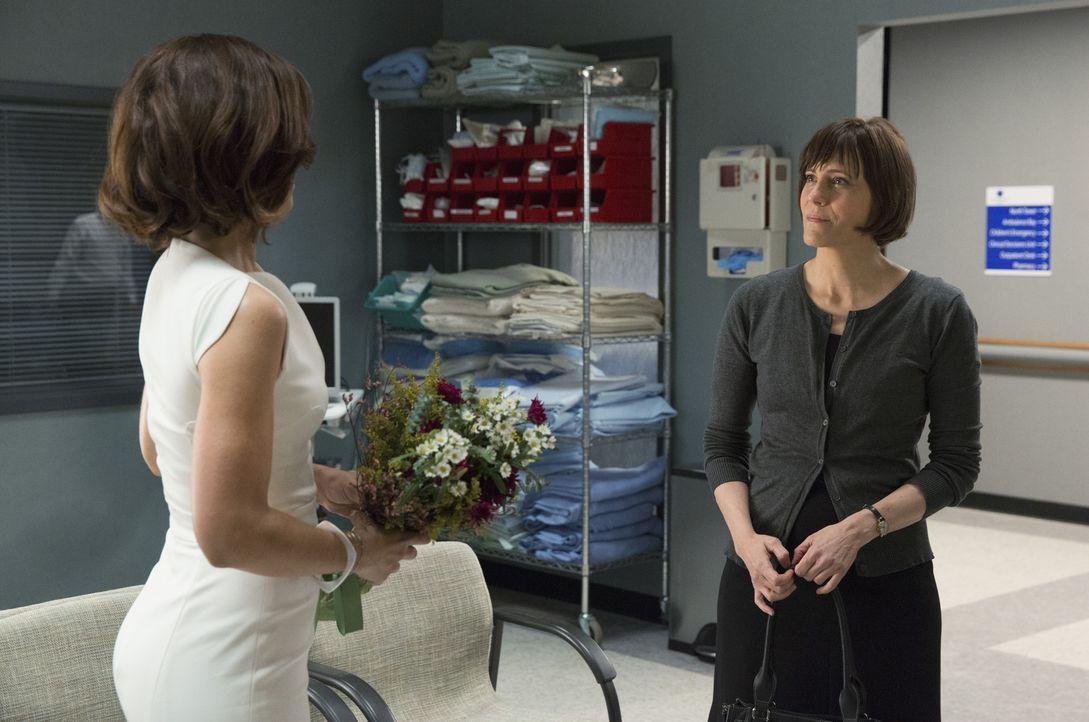 Marisol (Ana Ortiz, l.) ist von Opals (Joanna Adler, r.) Entscheidung mehr als überrascht, doch den wahren Hintergrund kann sie nicht einmal erahnen... - Bildquelle: 2014 ABC Studios