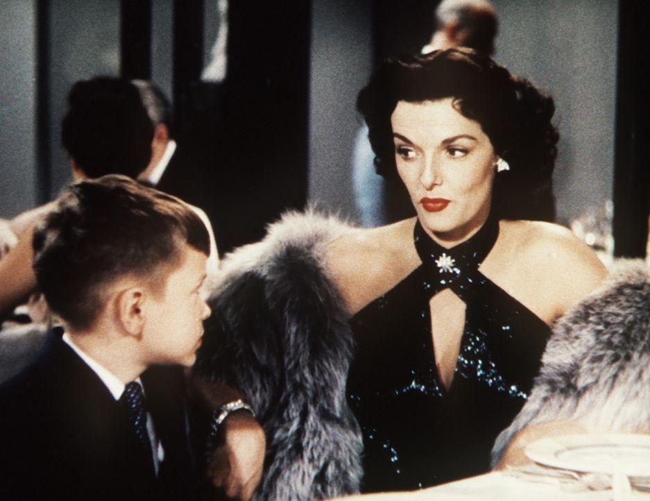 Dorothy (Jane Russell, r.) ist zwar an Männern mit Geld interessiert, aber der kleine Henry Spofford III. (George Winslow, l.) ist noch etwas zu ju... - Bildquelle: 20th Century Fox Film Corporation