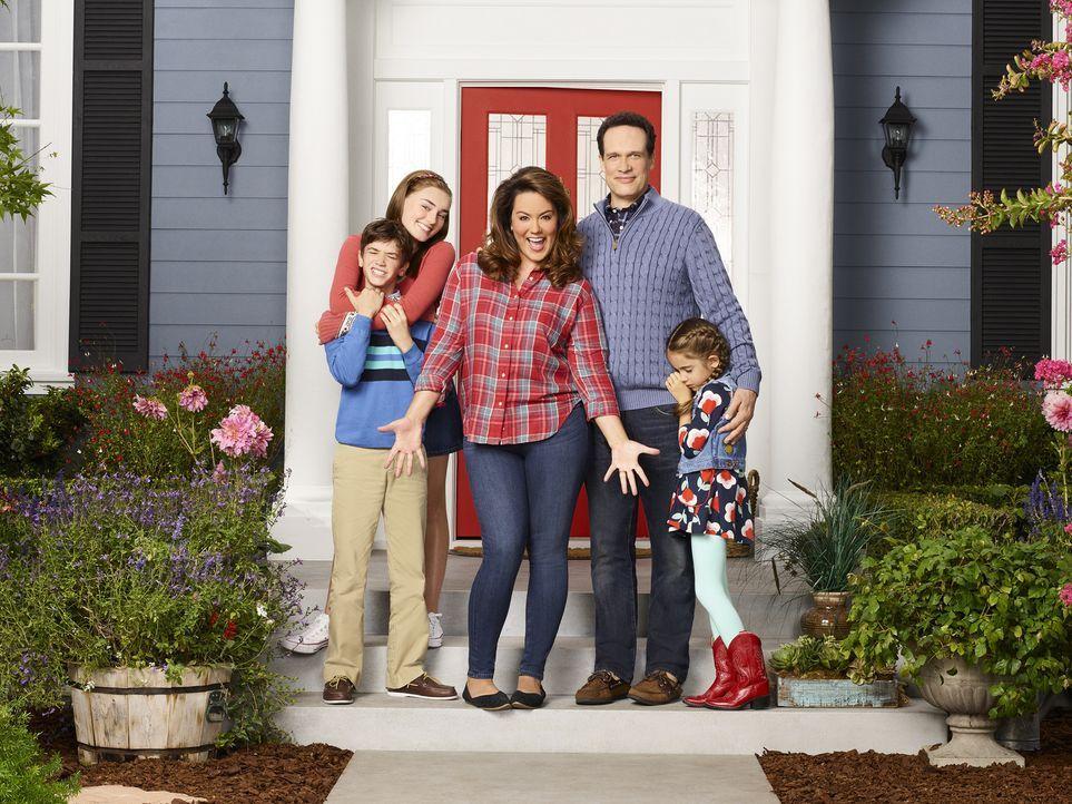 (1. Staffel) - Eine Familie mit Fehlern in einer scheinbar makellosen Nachbarschaft: (v.l.n.r.) Oliver (Daniel DiMaggio), Taylor (Meg Donnelly), Meg... - Bildquelle: Craig Sjodin ABC Studios