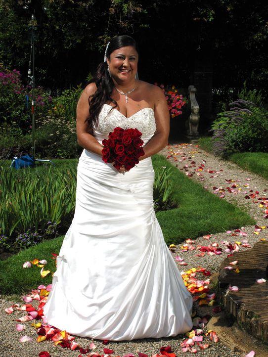 Lydia kämpft für ihren Traum von einer perfekten Hochzeit und einer unvergesslichen Hochzeitsreise ... - Bildquelle: Richard Vagg DCL