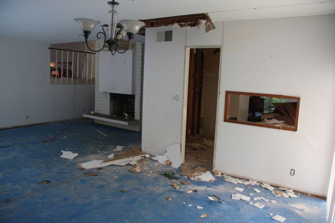 Wird es dem Makler-Ehepaar gelingen aus dem günstigen Haus in Buena Park eine Villa zu machen? - Bildquelle: 2013,HGTV/Scripps Networks, LLC. All Rights Reserved