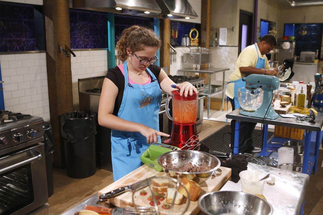 Wird es Ellie Kuhnle in die dritte Runde schaffen, in der ein Kuchen-Dessert aus Ricotta und Zitronen-Quark gefragt ist? - Bildquelle: Jason DeCrow 2015, Television Food Network, G.P. All Rights Reserved
