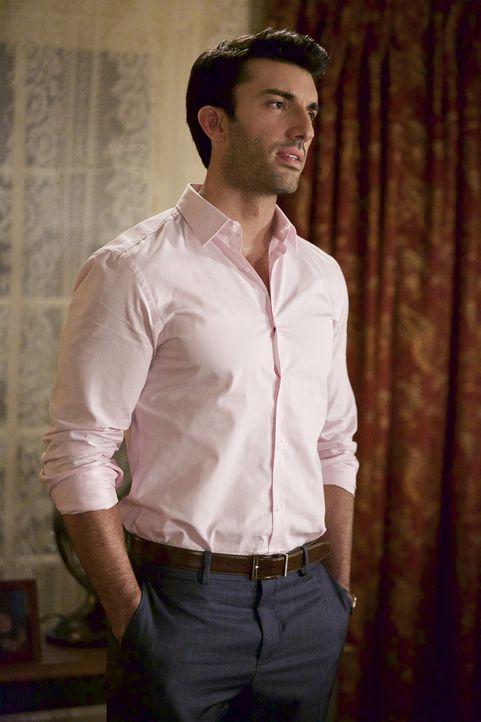 Schockt Jane, als er nach einem geteilten Sorgerecht fragt: Rafael (Justin Baldoni) ... - Bildquelle: Tyler Golden 2015 The CW Network, LLC. All rights reserved.