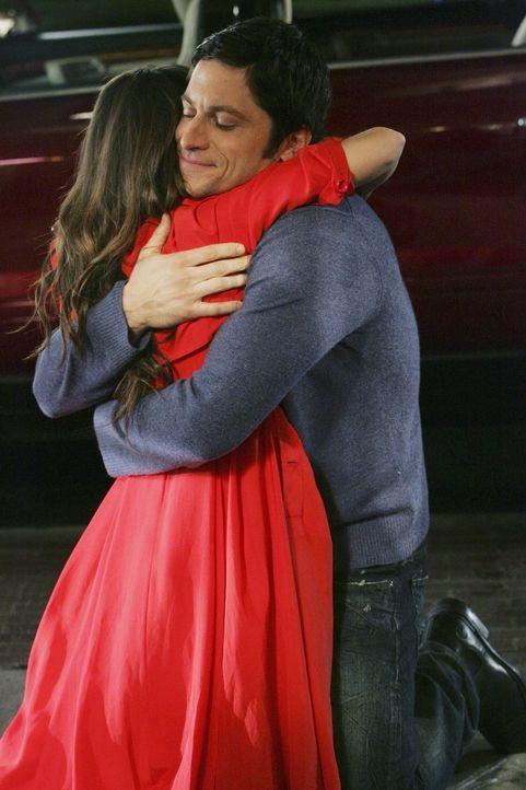 Jim (David Conrad, r.) macht Melinda (Jennifer Love Hewitt, l.) erneut einen Heiratsantrag ... - Bildquelle: ABC Studios