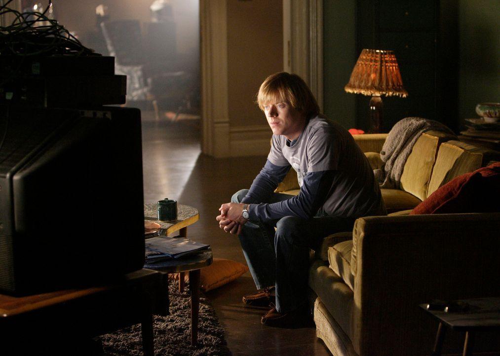 Muss sich von seinem besten Freund, seinem Fernseher verabschieden: Phil (Jay Paulson) ... - Bildquelle: ABC Studios