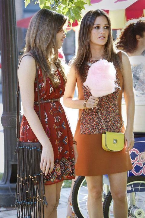 Zoes Theorie zu Marshmallows - Bildquelle: Warner Bros. Television