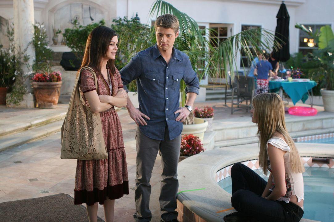 Ahnen nicht, dass Seth nicht bei seinem Interview an der Brown University war: Summer (Rachel Bilson, l.) Ryan (Benjamin McKenzie, M.) und Marissa (... - Bildquelle: Warner Bros. Television