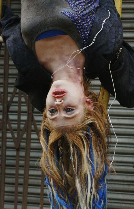 Ein neuer Fall für Kate Beckett und ihr Team: In einer Seitenstraße in Chelsea wird die Sängerin Hayley Blue (Brianna Haynes) ermordet aufgefunden .... - Bildquelle: ABC Studios