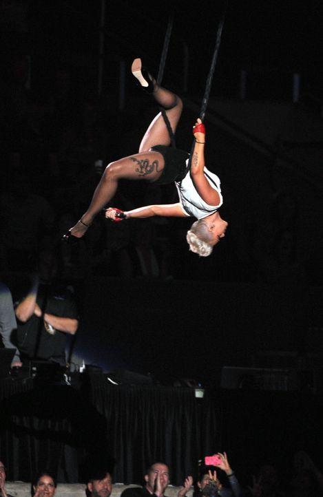 .. dann auf der Bühne bei den MTV Video Awards - Bildquelle: AFP
