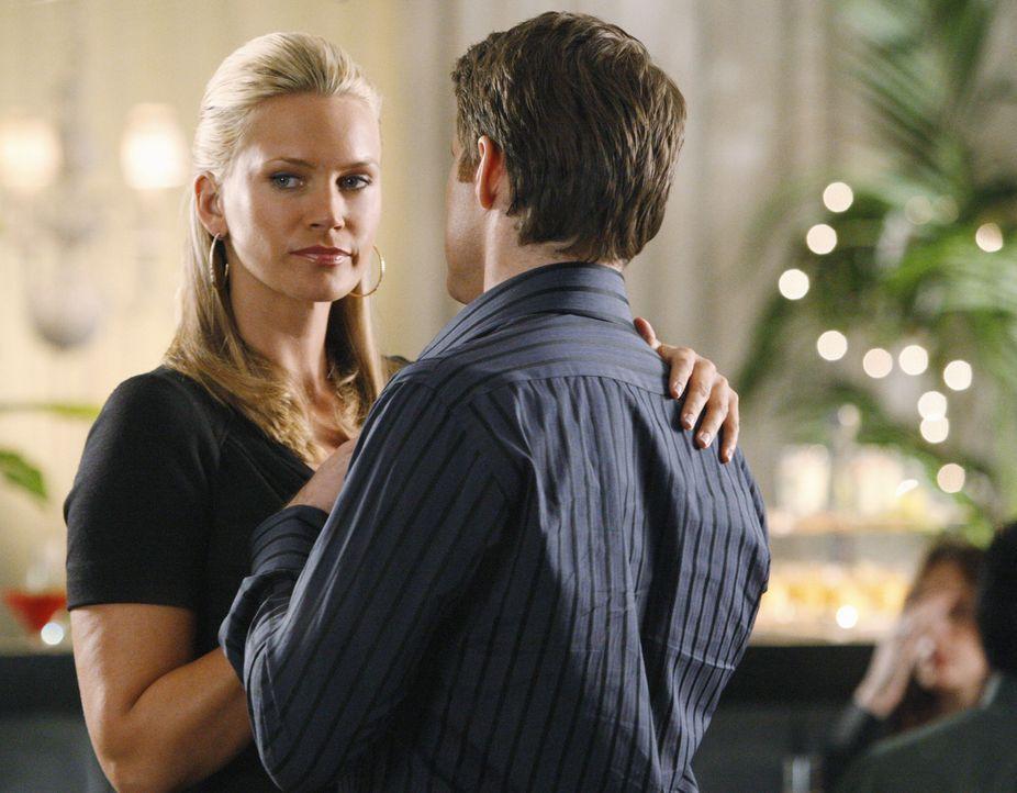Haben sie eine gemeinsame Zukunft? Taylor (Natasha Henstridge, l.) und Matt (Sam Jaeger, r.) ... - Bildquelle: Disney - ABC International Television