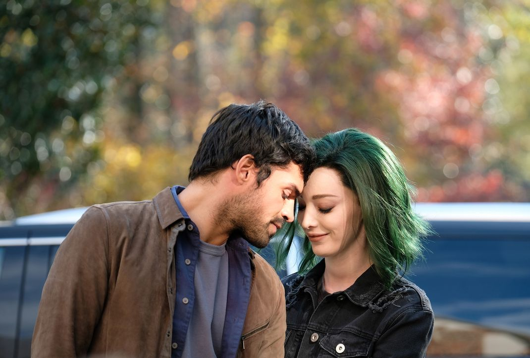 Marcos (Sean Teale, l.); Lorna (Emma Dumont, r.) - Bildquelle: Eliza Morse 2017 Fox and its related entities.  All rights reserved.  MARVEL TM &   2017 MARVEL/Eliza Morse