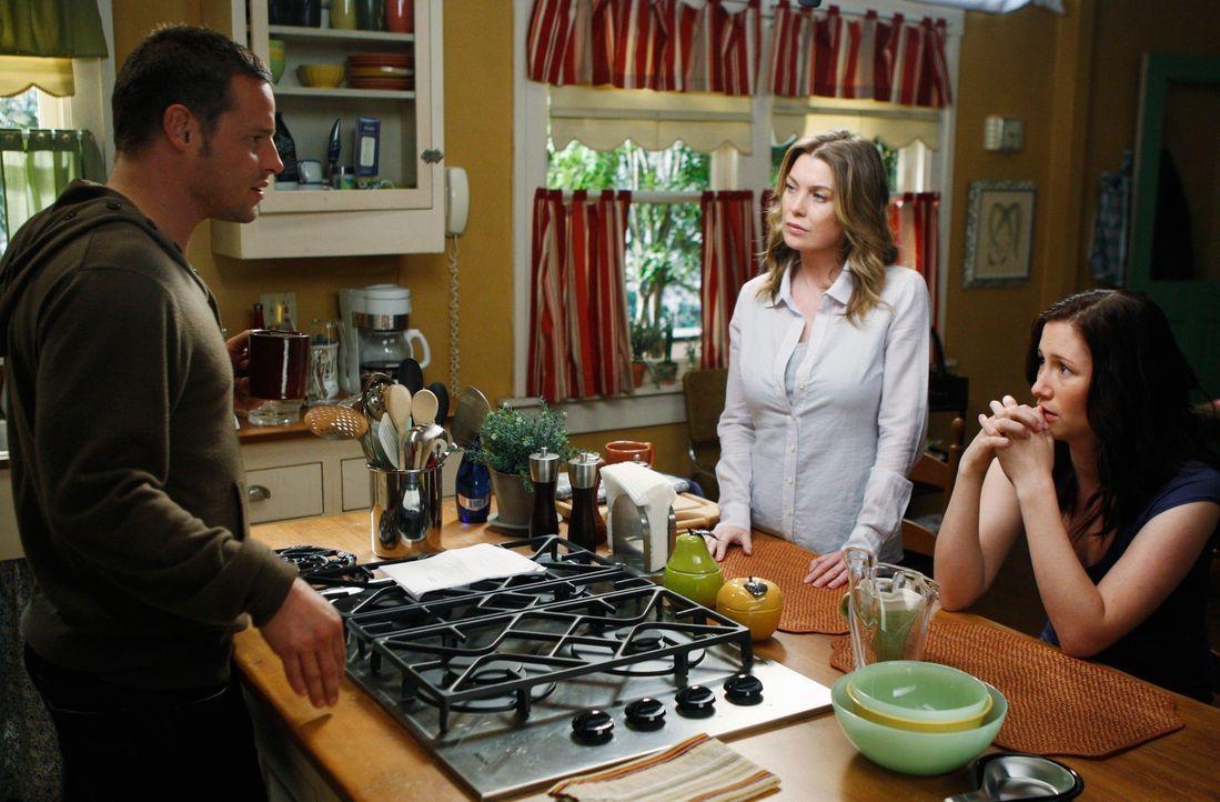 Sind vollkommen überrascht, als Izzie plötzlich zurückkehrt: Alex (Justin Chambers, l.), Meredith (Ellen Pompeo, M.) und Lexie (Chyler Leigh, r.) ..... - Bildquelle: Touchstone Television