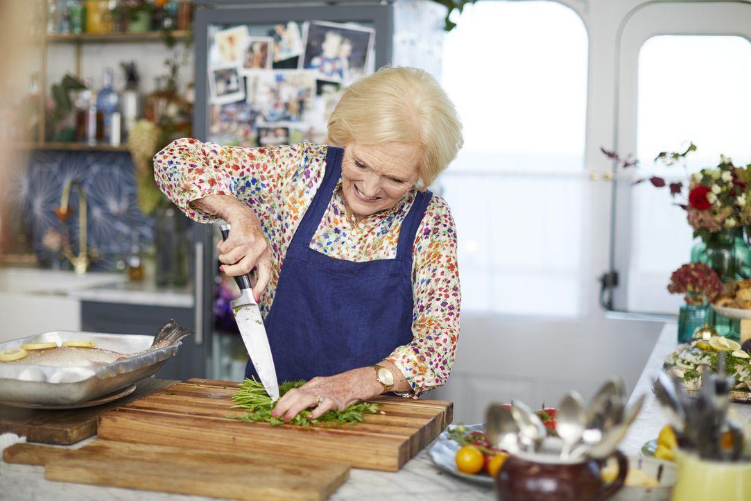 Mary Berry - Bildquelle: Steve Ryan 2019 Jamie Oliver Enterprises Ltd. / Steve Ryan