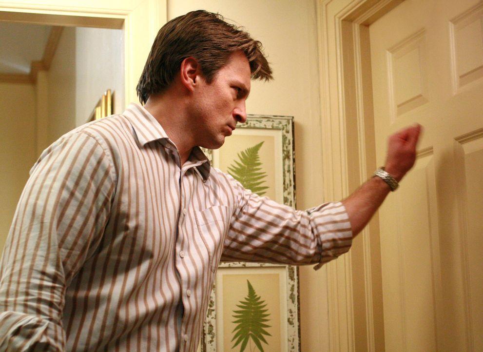 Um Sylvia, die sich in ihrem Badezimmer eingesperrt hat, zu beruhigen, holt Bree Adam (Nathan Fillion) zu Hilfe, der angeblich vor einiger Zeit eine... - Bildquelle: ABC Studios