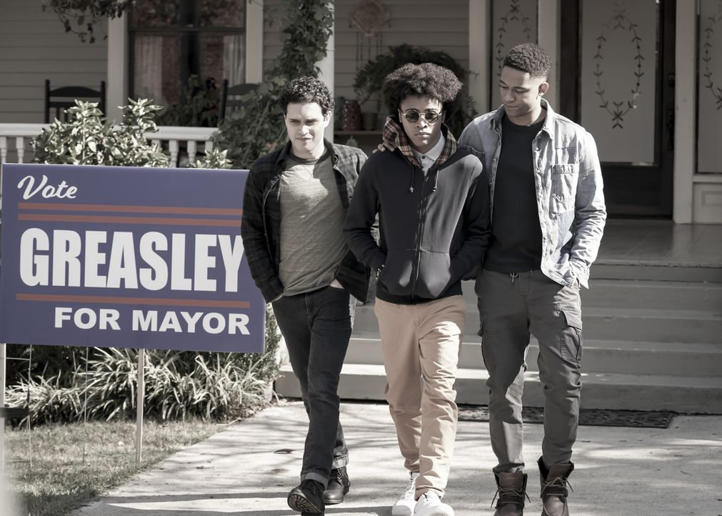 (v.l.n.r.) Landon Kirby (Aria Shahghasemi); MG (Quincy Fouse); Rafael Waithe (Peyton Alex Smith) - Bildquelle: Bob Mahoney 2019 The CW Network, LLC. All rights reserved. / Bob Mahoney