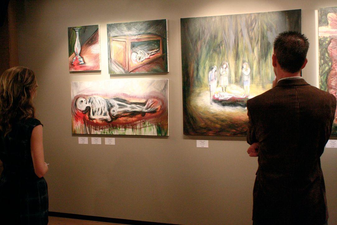 Susan ist geschockt, als sie ihre Bilder in einer Galerie hängen sieht ... - Bildquelle: ABC Studios