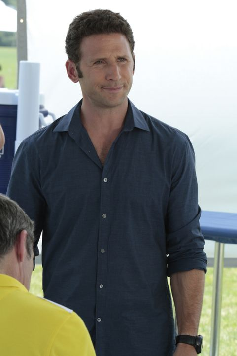 Hank Lawson (Mark Feuerstein) - Bildquelle: Giovanni Rufino 2012 USA Network Media, LLC/ Giovanni Rufino