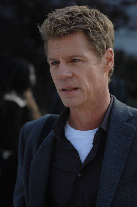 Als die Situation aussichtslos erscheint, kann nur noch Victor (Joel Gretsch) helfen ... - Bildquelle: 2013 Lifetime Entertainment Services, LLC. All rights reserved.