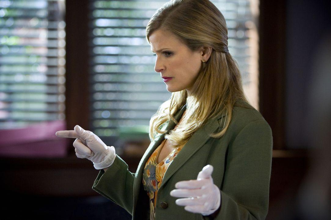 Wird zu einem Tatort gerufen: Deputy Chief Brenda Leigh Johnson (Kyra Sedgwick) ... - Bildquelle: Warner Brothers