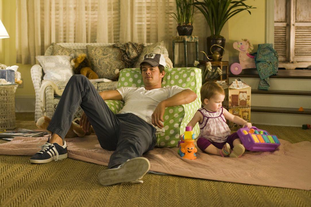 Eric Messer (Josh Duhamel, l.); Sophie (Alexis, Brynn und Brooke Clagett, r.) - Bildquelle: Warner Bros.