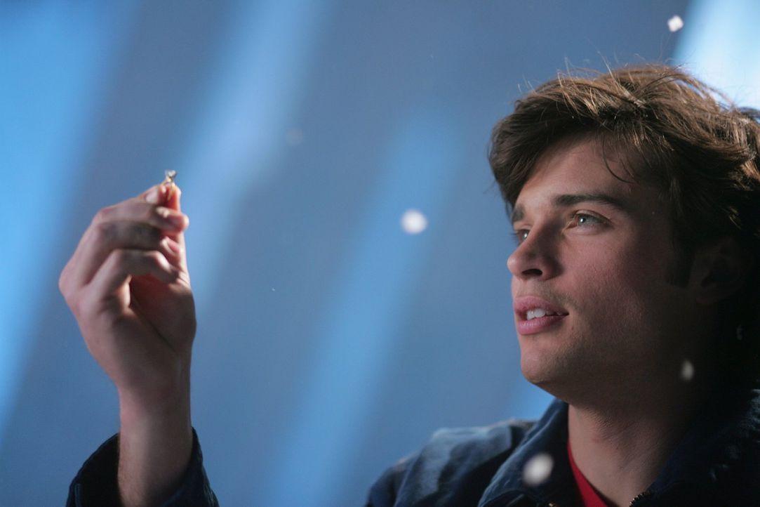 Vor seinem Heiratsantrag überlegt Clark (Tom Welling), ob er seiner Freundin Lana seine Kräfte zeigen soll ... - Bildquelle: Warner Bros.
