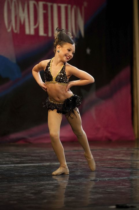 Gibt bei jedem Auftritt ihr bestes: Maddie ... - Bildquelle: Scott Gries 2011 A+E Networks