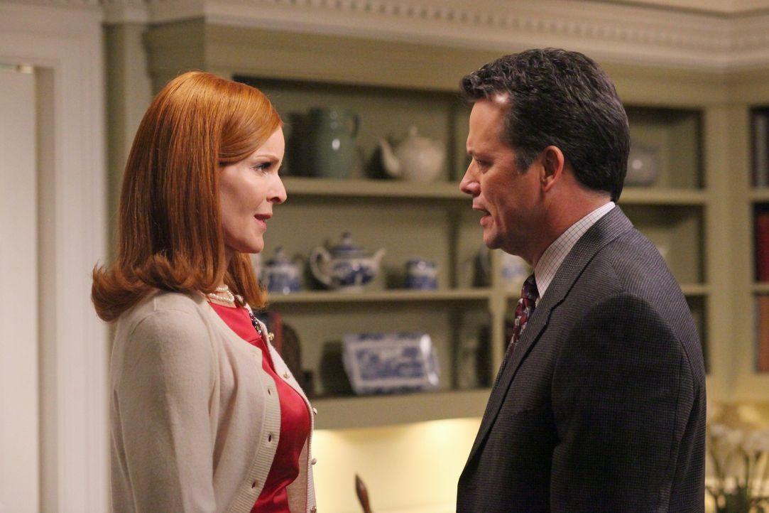 Die Bewohner der Wisteria Lane sind schockiert von Mikes Tod. Auf seiner Beerdigung denken die Freundinnen daran zurück, auf welche Art und Weise Mi... - Bildquelle: ABC Studios