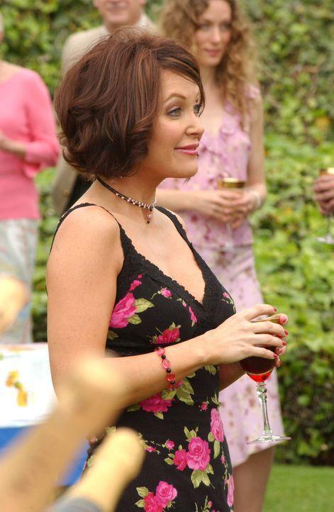 Um sich an ihrer Mutter zu rächen, lädt Marissa ihre Tante Cindy (Holly Fileds) ein ... - Bildquelle: Warner Bros. Television