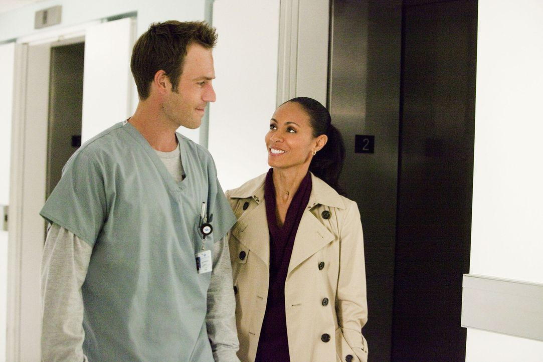 Genießen die Zeit, die sie im Krankenhaus zusammen verbringen können: Tom (Michael Vartan, l.) und Christina (Jada Pinkett Smith, r.)... - Bildquelle: Sony 2009 CPT Holdings, Inc. All Rights Reserved