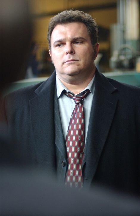 Die Ermittlungen gehen nur schleppend voran: Det. Nick Vera (Jeremy Ratchford) - Bildquelle: Warner Bros. Television