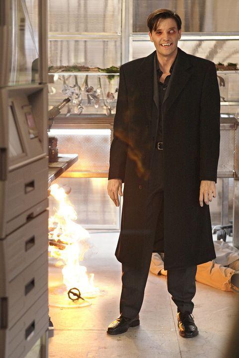 Sein Ruf eilt ihm voraus: Lance (Jason Butler Harner) ist ein berüchtigter Vampir, der keine Gnade kennt, wenn er seine Ziele verwirklichen will ... - Bildquelle: Warner Brothers