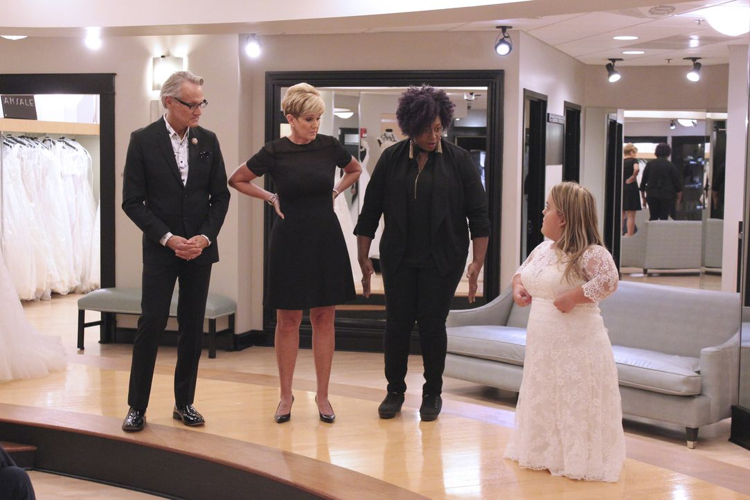 Während die gefeierte Country-Sängerin Hillary Scott Braut Dani hilft, das p... - Bildquelle: TLC & Discovery Communications