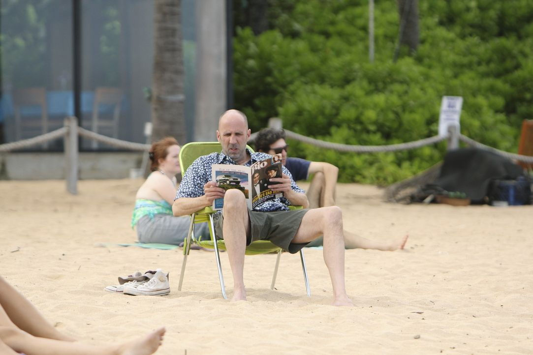 Tom (Bob Clendenin), der der Gruppe hinter hergereist war, sich aber nicht getraut hat, sich ihr anzuschließen, tut so, als ob er zufällig im selb... - Bildquelle: 2010 ABC INC.