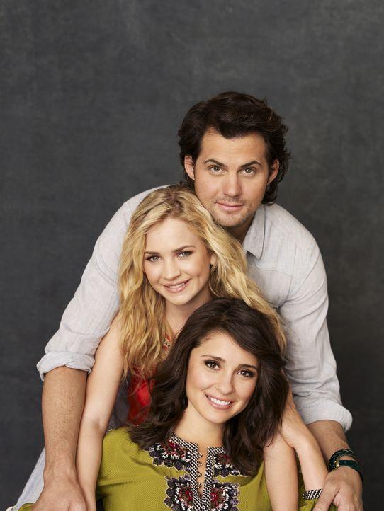 (2. Staffel) - Das Schicksal hat Lux (Brittany Robertson, M.), Cate (Shiri Appleby, unten) und Nate (Kristoffer Polaha, oben) zusammengeführt ... - Bildquelle: 2010 The CW Network, LLC. All Rights Reserved.