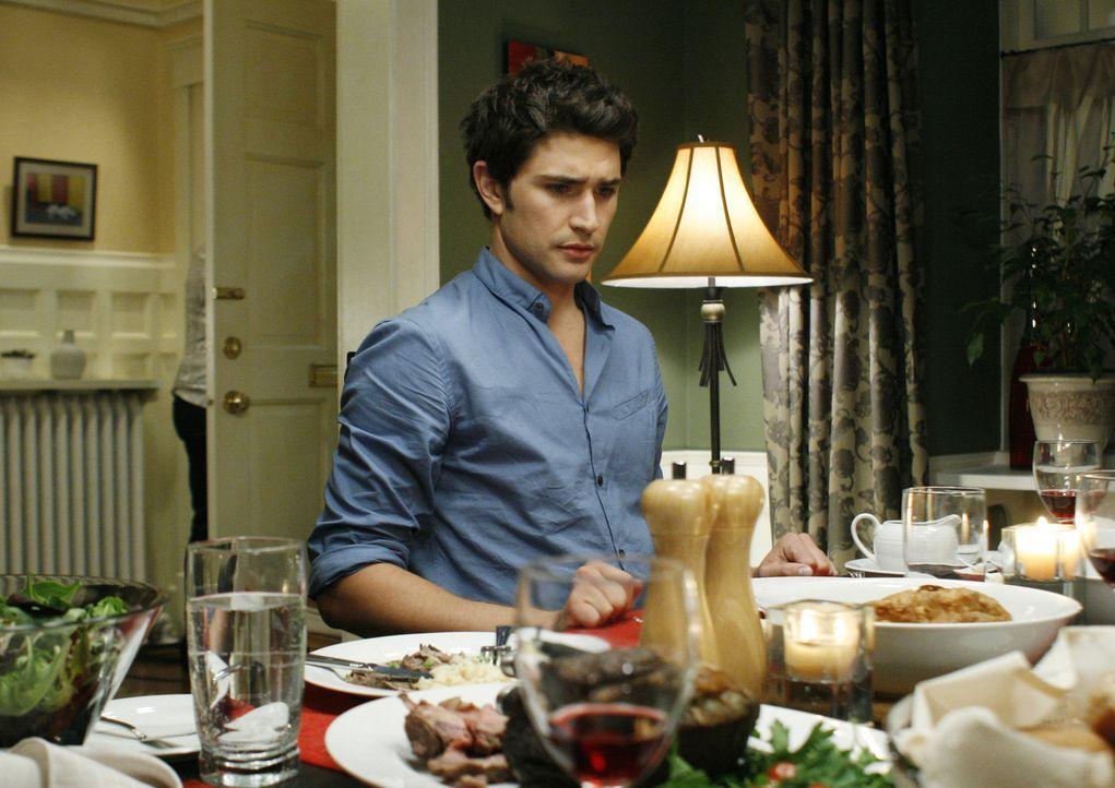 Kyle (Matt Dallas) und Jessi wollen herausfinden, warum Cassidy Sarah umgebracht hat und planen deshalb ein essen mit ihm ... - Bildquelle: TOUCHSTONE TELEVISION