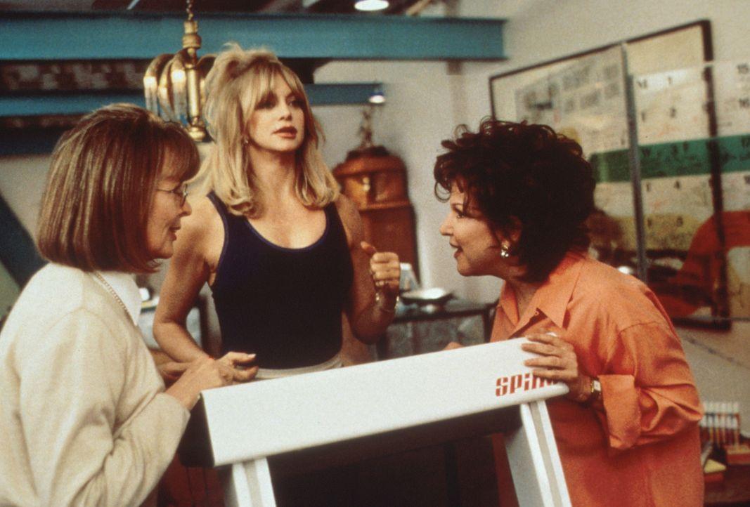 Die Freundinnen Brenda (Bette Midler, r.), Elise (Goldie Hawn, M.) und Annie (Diane Keaton, l.) teilen das gleiche Schicksal. Sie sind von ihren Män... - Bildquelle: Paramount Pictures