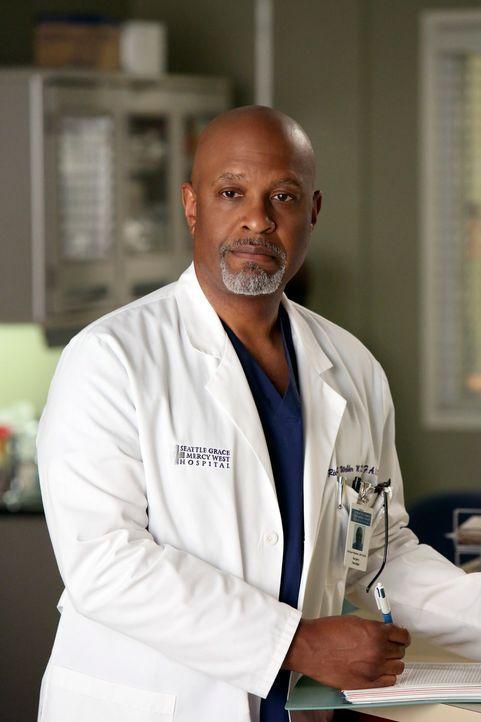 Rückblick: Webber (James Pickens jr.) macht sich große Sorgen um seine Kollegen, die mit den  Verletzungen des Flugzeugabsturzes fertig werden müsse... - Bildquelle: ABC Studios