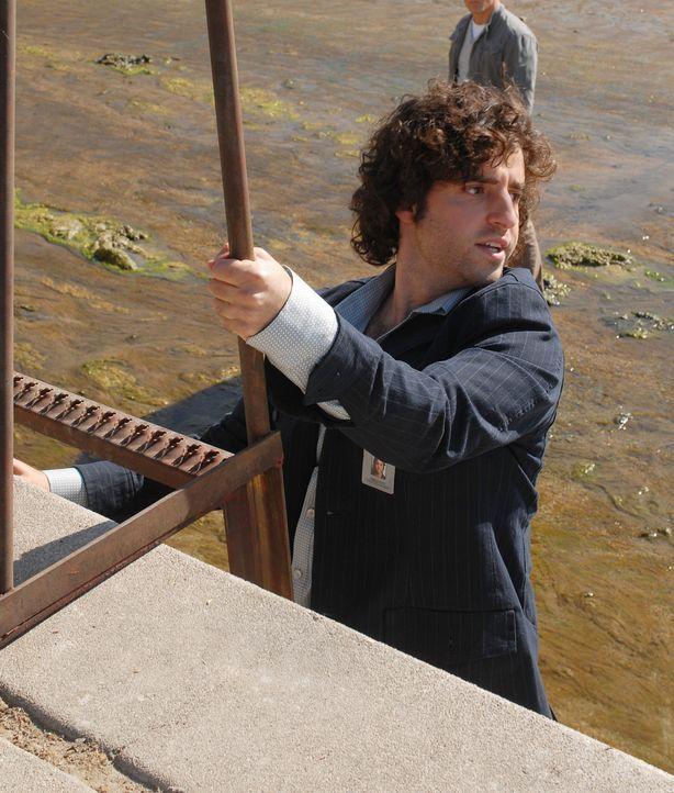Ist seinem Bruder bei einem neuen Fall behilflich: Charlie (David Krumholtz) ... - Bildquelle: Paramount Network Television