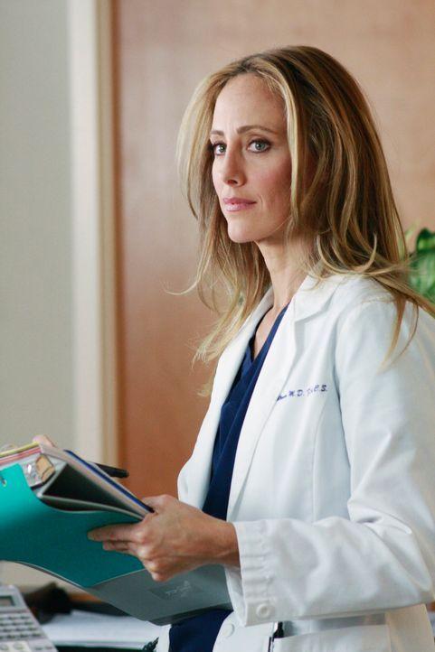 Cristina wird von Teddy (Kim Raver) weiter gefördert, doch Owen stellt Teddys Intention in Frage ... - Bildquelle: Touchstone Television