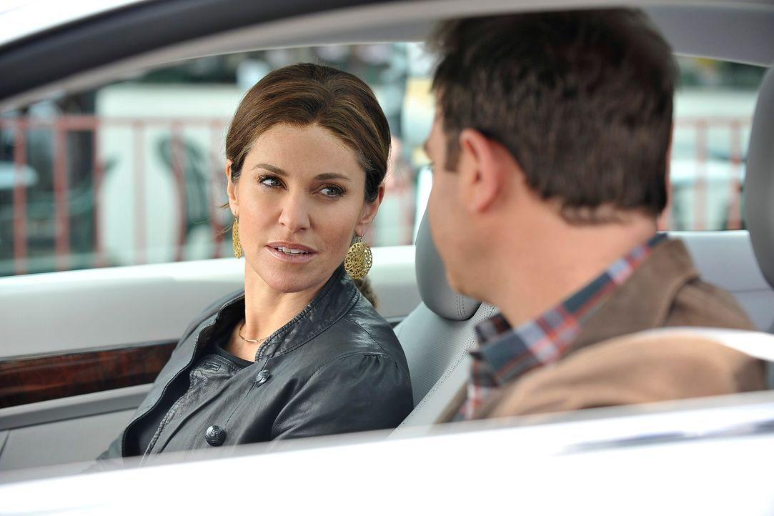 Während Violet (Amy Brenneman, l.) um ihre Zulassung als Ärztin bangen muss, befürchtet Cooper (Paul Adelstein, r.), dass Charlotte immer noch Ge... - Bildquelle: ABC Studios
