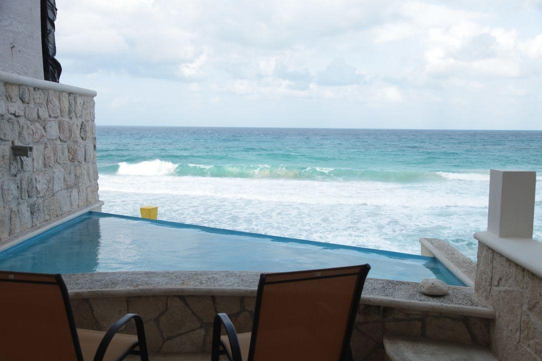 Finden Todd und Ashley mit der Hilfe von Makler Jim Botaish die passende Immobilie auf der mexikanischen Insel Isla Mujeres? - Bildquelle: 2014, HGTV/Scripps Networks, LLC. All Rights Reserved.