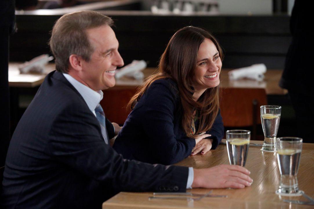 Während Addison bei Henrys Gerichtstermin erkennt, dass der Richter noch immer wegen Jakes Vergangenheit besorgt ist, stellt Sheldon (Brian Benben,... - Bildquelle: ABC Studios