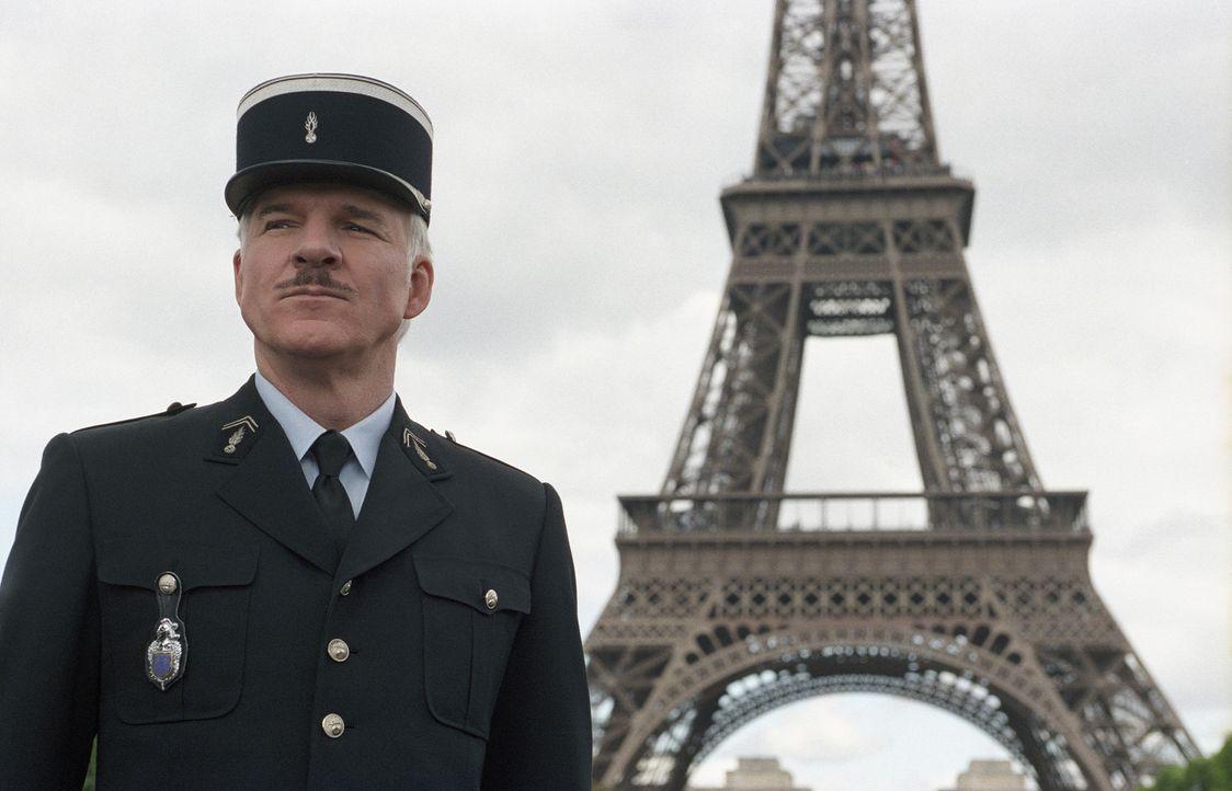 Der französische Fussballtrainer Yves Gluant ist tot. In der Stadt der Liebe macht sich Inspektor Clouseau (Steve Martin) auf die Suche nach dem M - Bildquelle: Metro-Goldwyn-Mayer Studios Inc. All Rights Reserved.